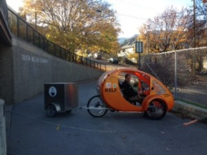 "David delivers fresh bread in his ""car"" that runs on solar & pedal power"